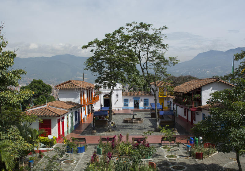 Pueblitopaisa in de stad van Medellin, Colombia stock foto