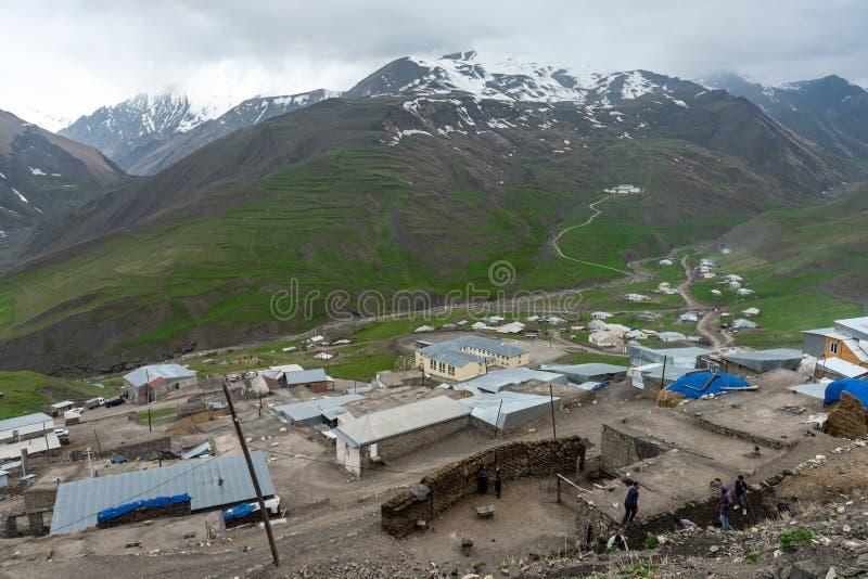 Pueblo antiguo Khynalyg, Azerbaijan de los highmountains Edificios, casas y manera de vida foto de archivo libre de regalías