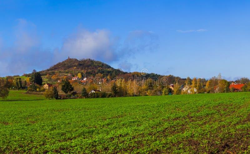 Pueblo cerca de la ciudad Jicin - República Checa imágenes de archivo libres de regalías