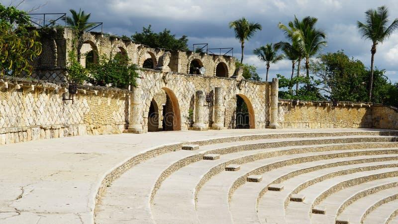 Download Pueblo De Altos De Chavon En El La Romana Imagen editorial - Imagen de amphitheatre, italiano: 64203935