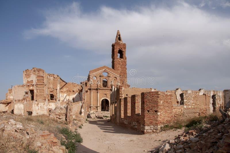 Pueblo de Belchite de las ruinas destruido por el bombardeo de la guerra civil española imagenes de archivo