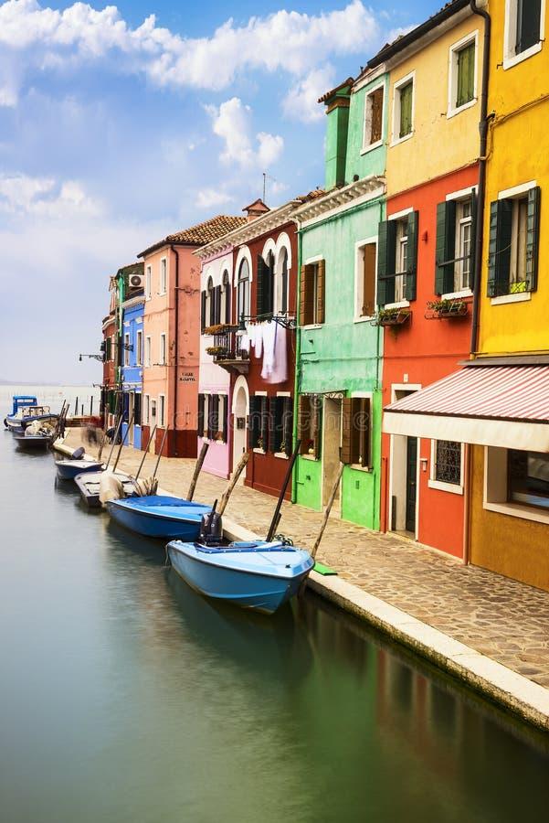 Pueblo de Burano cerca de Venise fotos de archivo