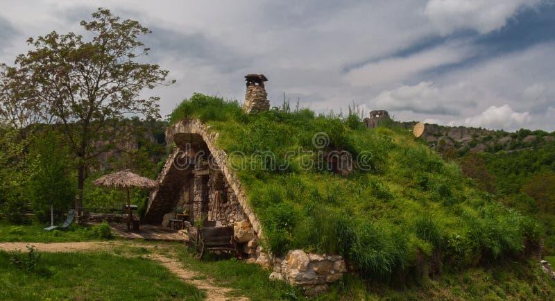 Pueblo de Karlukovo en la provincia Bulgaria de Lovech foto de archivo libre de regalías
