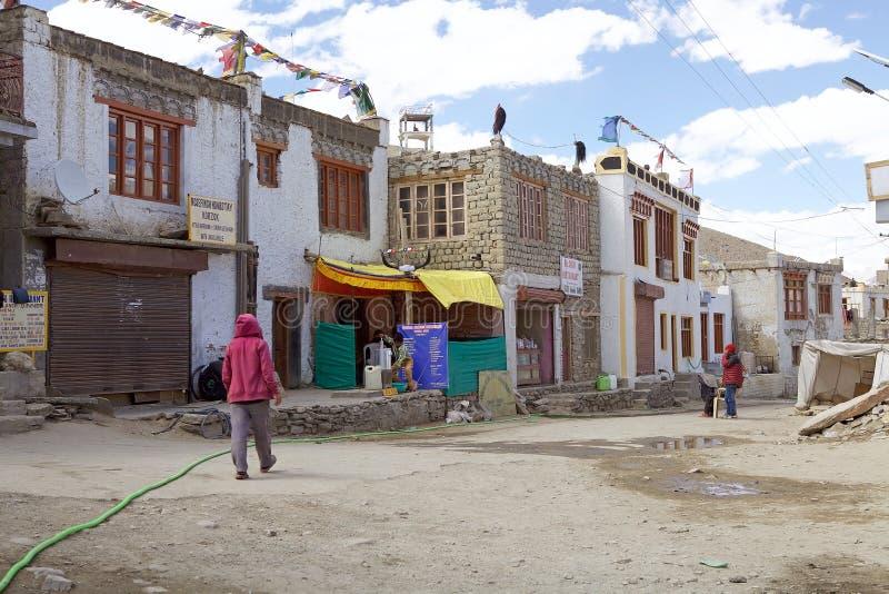 Pueblo de Karzok en la orilla del lago tso Moriri en Ladakh, la India imagenes de archivo