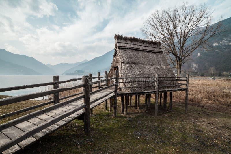Pueblo de la pila-vivienda de la edad de bronce imagen de archivo libre de regalías