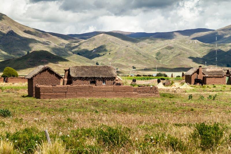 Pueblo de las casas de adobe imagen de archivo
