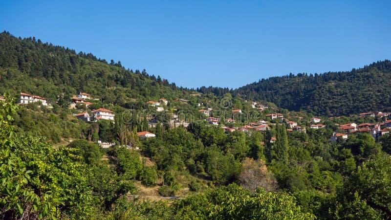 Pueblo de montaña griego imágenes de archivo libres de regalías