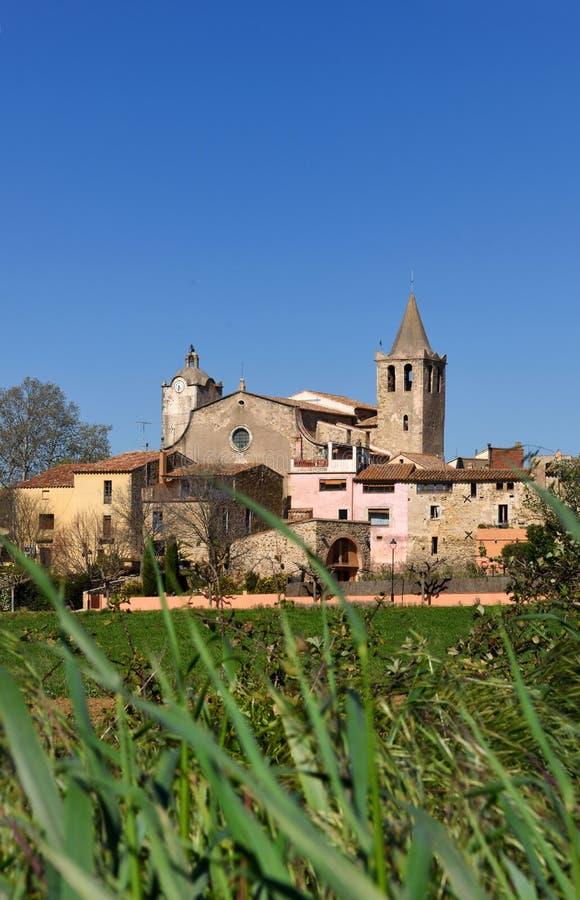 Pueblo de Sant Sadurni de la Heura, Baix Emporda, foto de archivo