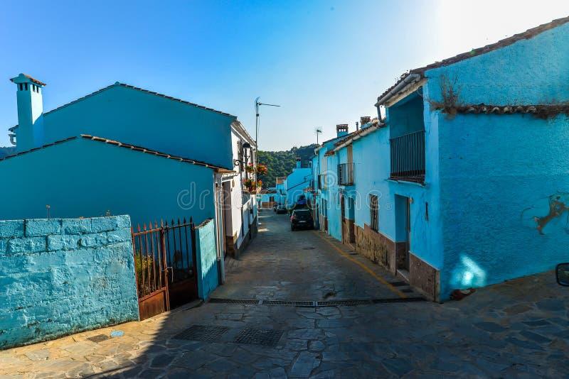 Pueblo de Smurf - Juzcar - Andalucía, España imagen de archivo libre de regalías