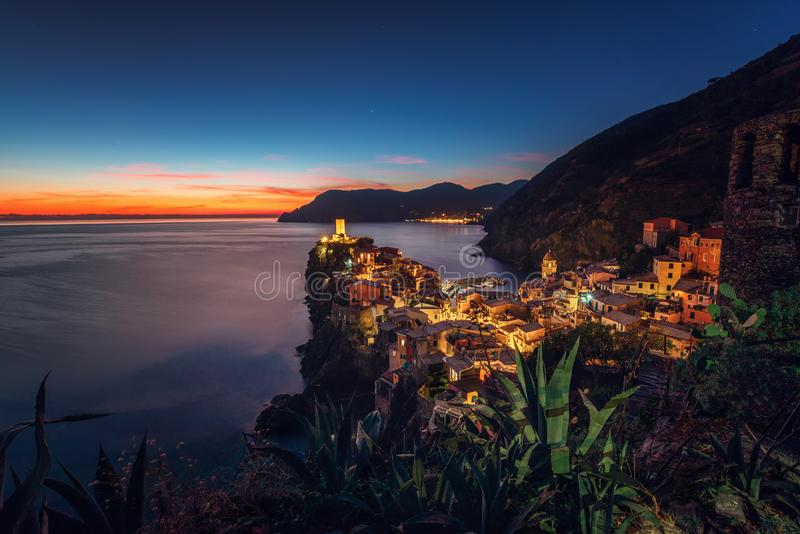 Pueblo de Vernaza, Cinque Terre, Liguria, Italia, Europa imagenes de archivo