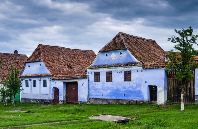 Pueblo de Viscri en Transilvania, Rumania foto de archivo