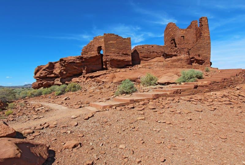 Pueblo de Wukoki en monument national de Wupatki près de hampe de drapeaux, Arizo photographie stock libre de droits