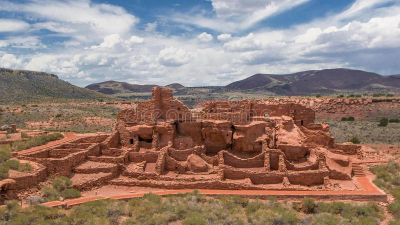 Pueblo de Wupatki près de hampe de drapeaux Arizona photos libres de droits