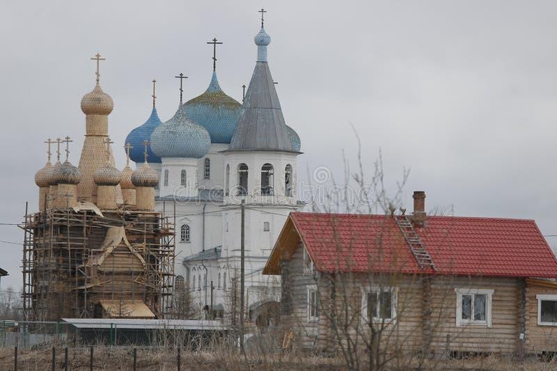 Pueblo del norte, oblast de Arkhangelsk fotografía de archivo