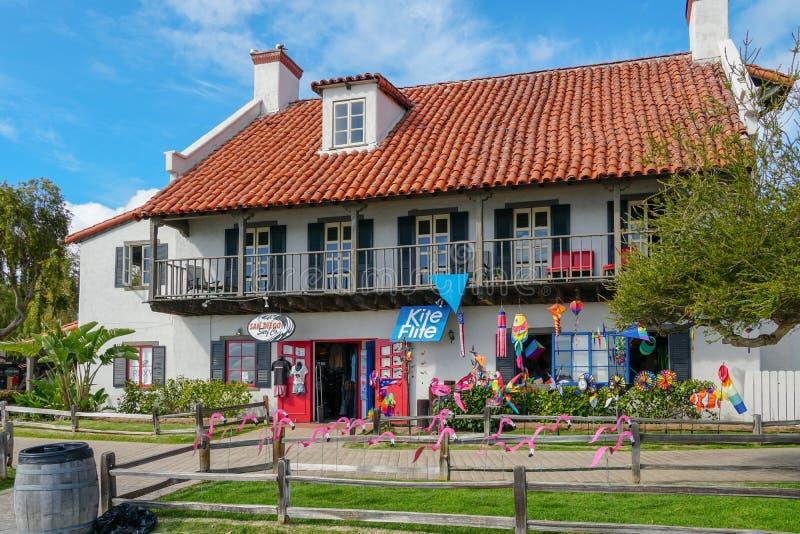 Pueblo del puerto, compras de la costa y complejo de la cena adyacente a San Diego Bay fotos de archivo libres de regalías