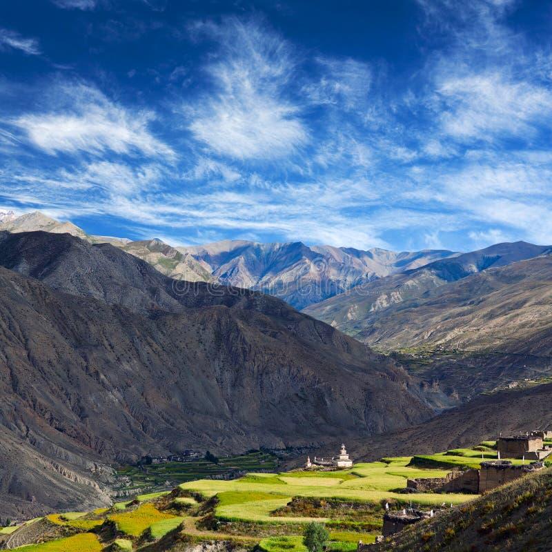Pueblo en Dolpo, Nepal fotos de archivo