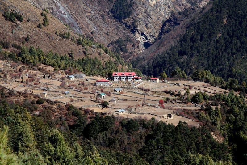 Pueblo en Khumbu himal, Nepal fotografía de archivo