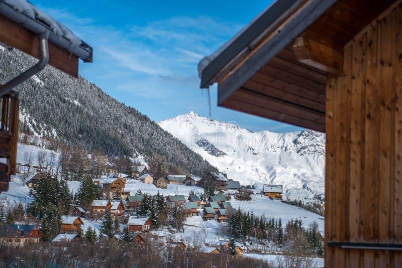 Pueblo en los mountaines fotografía de archivo