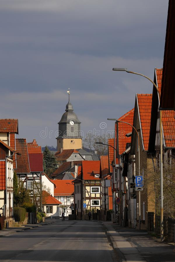 Pueblo Herleshausen con la iglesia del castillo imágenes de archivo libres de regalías
