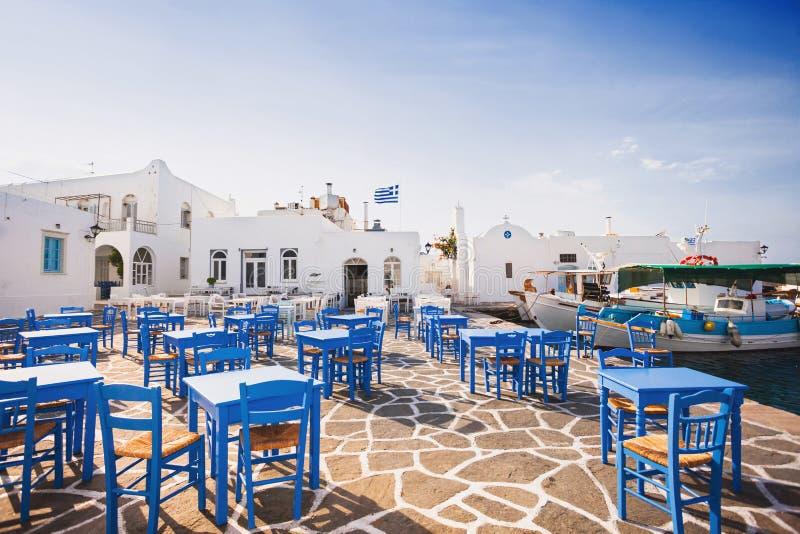 Pueblo hermoso de Naousa, isla de Paros, Cícladas, Grecia foto de archivo