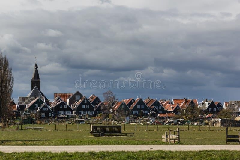 Pueblo holandés típico Marken, los Países Bajos fotografía de archivo