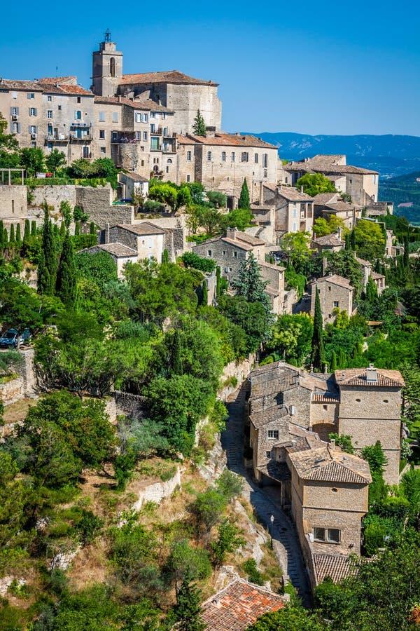 Pueblo medieval de Gordes en Francia meridional (Provence) fotos de archivo