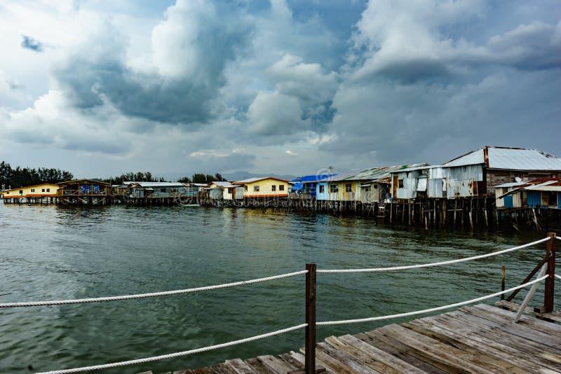 Download Pueblo pesquero imagen de archivo. Imagen de nublado - 64205053