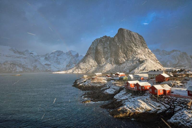 Pueblo pesquero de Hamnoy en las islas de Lofoten, Noruega imagen de archivo libre de regalías