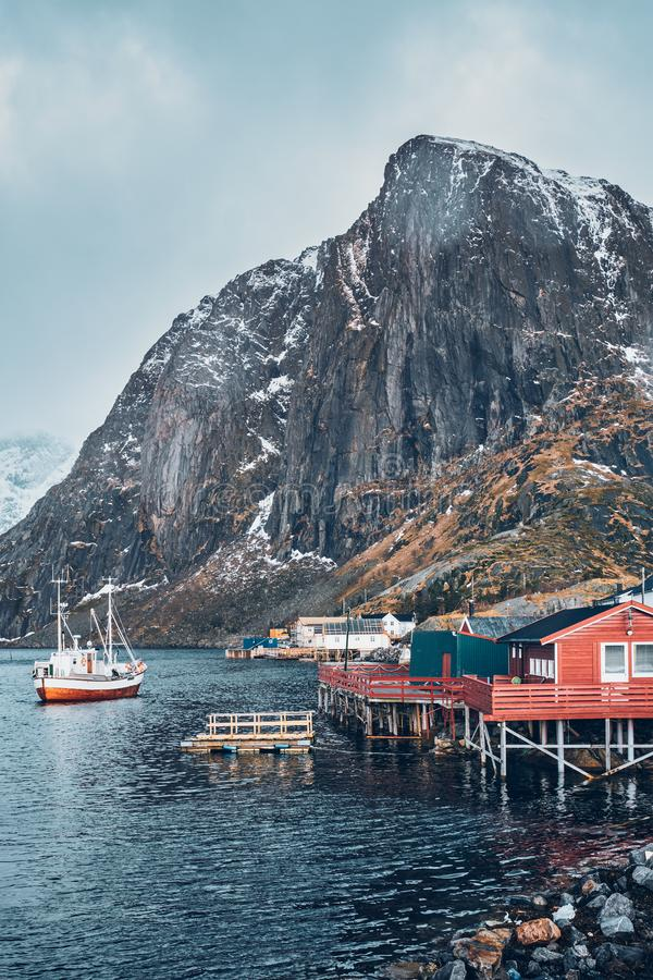 Pueblo pesquero de Hamnoy en las islas de Lofoten, Noruega imágenes de archivo libres de regalías