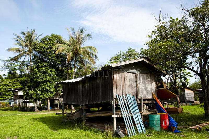 Pueblo pesquero - parque nacional de Mulu - Borneo fotografía de archivo libre de regalías