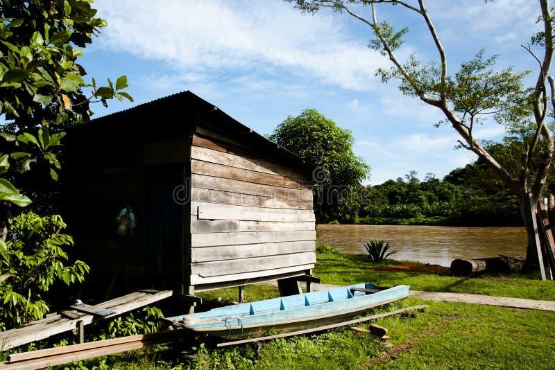 Pueblo pesquero - parque nacional de Mulu - Borneo fotografía de archivo