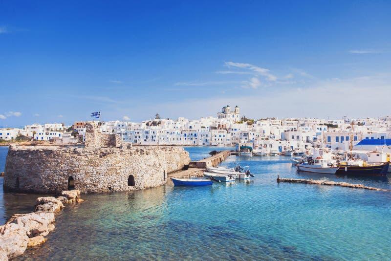 Pueblo pintoresco de Naousa, isla de Paros, Cícladas, Grecia foto de archivo libre de regalías