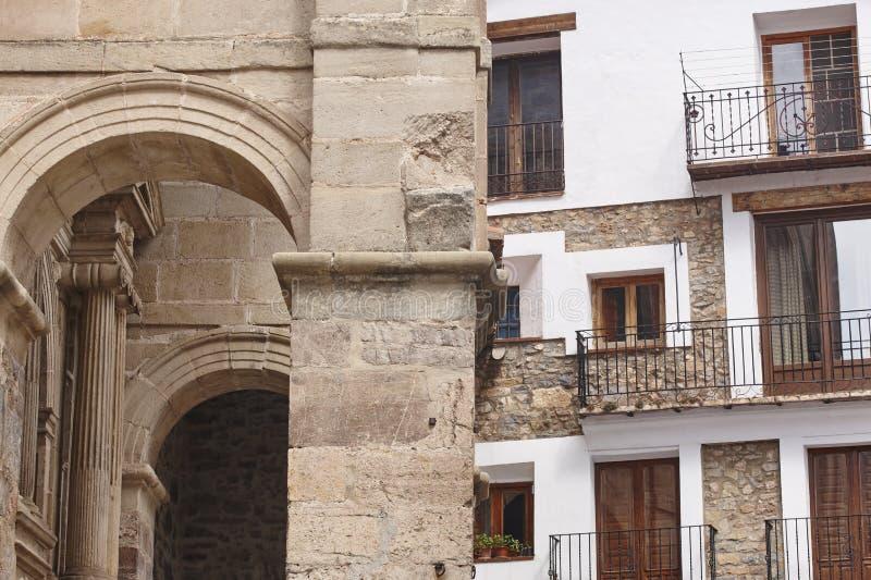 Pueblo pintoresco en España Alcala de la Selva Heritag de Teruel fotografía de archivo