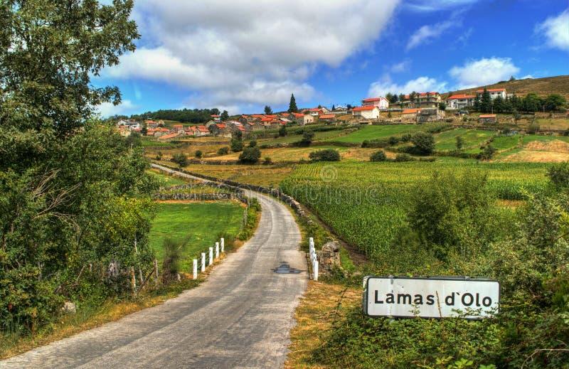 Pueblo rural de Lamas de Olo en Vila Real fotos de archivo