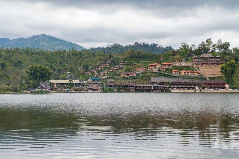 Pueblo tailandés de Baan Rak, Mae Hong Sorn, Tailandia fotografía de archivo