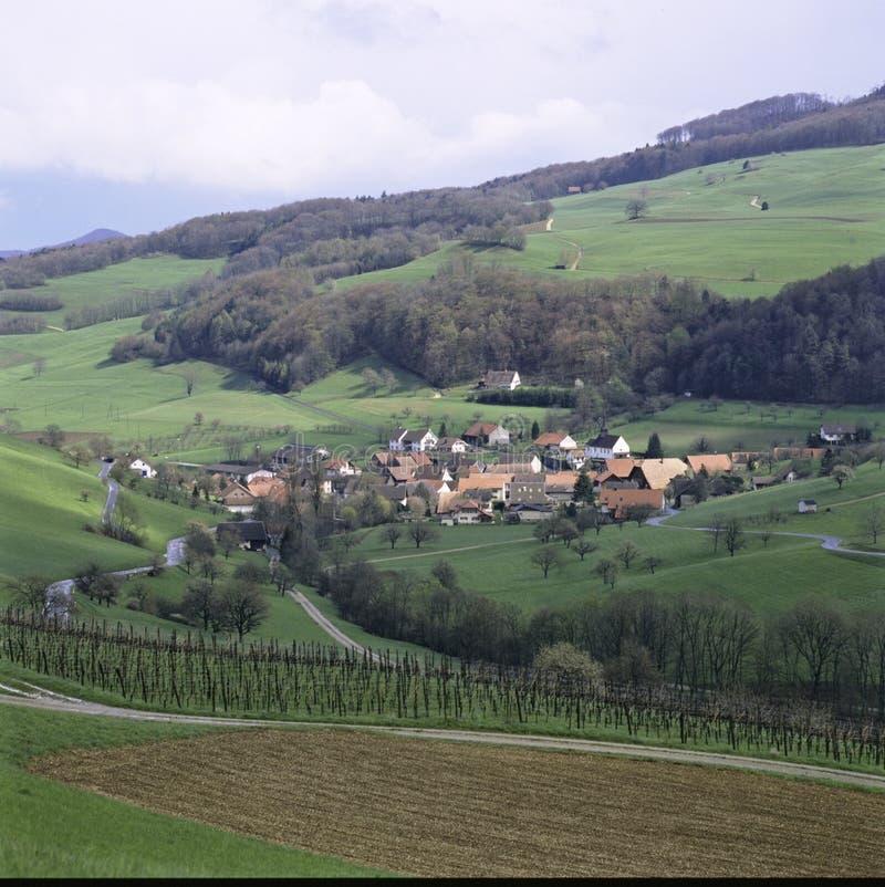 Pueblo Thalheim del cantón suizo del informe de Argovia en Schenkenbergertal foto de archivo libre de regalías