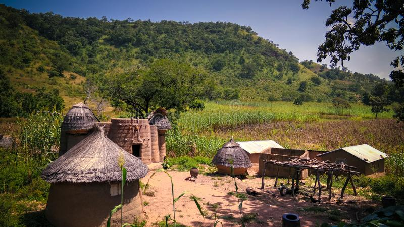 Pueblo tradicional de Tamberma en Koutammakou, la tierra de la gente de Tammari del Batammariba, región de Kara, Togo imagen de archivo