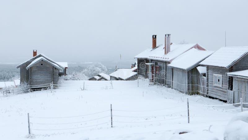 Pueblo viejo del invierno imagen de archivo
