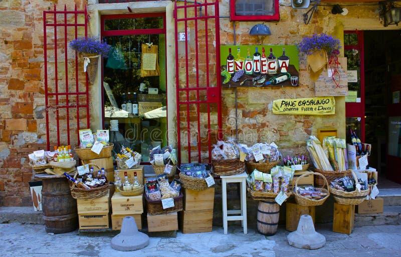 Pueblo Wineshop, Toscana Foto de archivo editorial