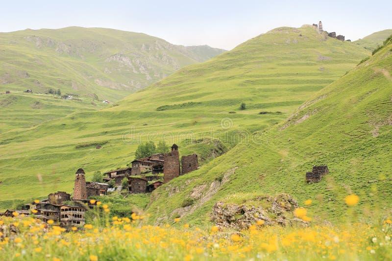 Pueblos de Dartlo y de Kvavlo Región de Tusheti (Georgia) fotografía de archivo libre de regalías
