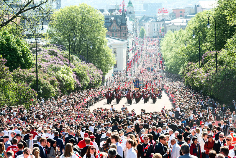 17 pueden desfile de Oslo Noruega en la calle fotos de archivo