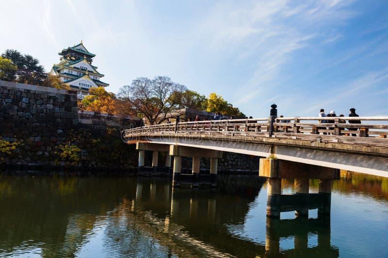 Puente al castillo de Osaka fotografía de archivo libre de regalías