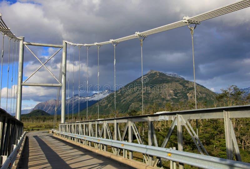 Puente al chalet O Higgins, Carretera austral, Chile foto de archivo libre de regalías