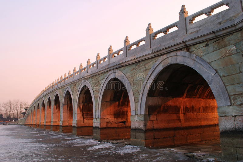 Puente antiguo imagen de archivo