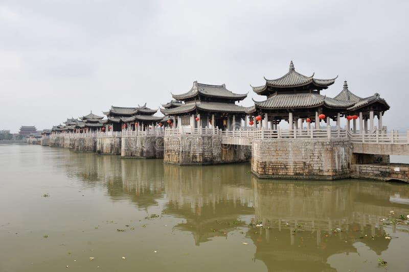 Puente antiguo chino del guangji imagenes de archivo
