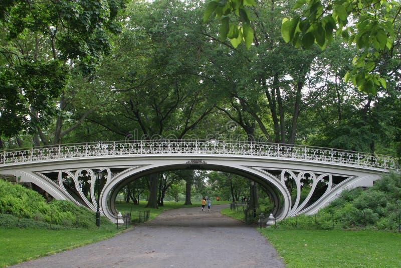 Puente blanco en Central Park imágenes de archivo libres de regalías