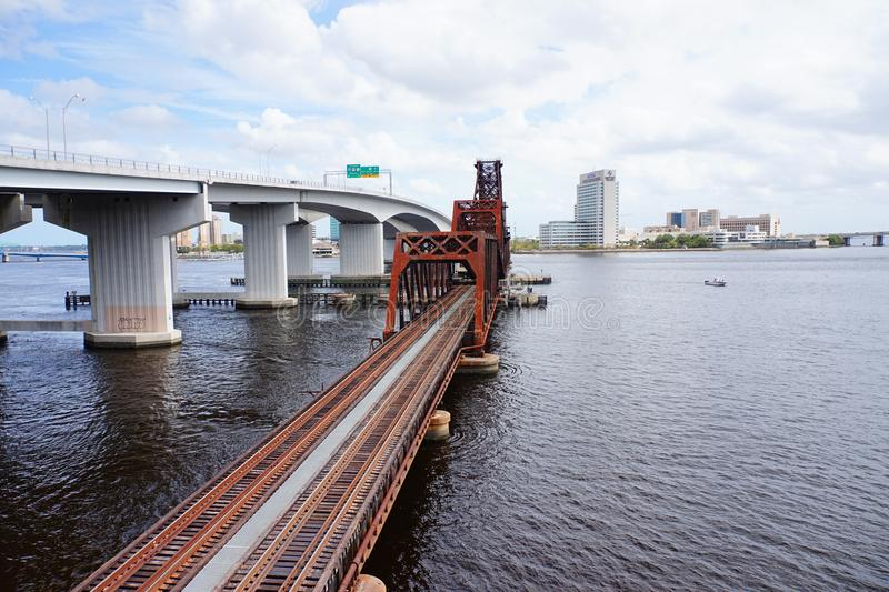 Puente céntrico del ferrocarril de Jacksonville imagen de archivo