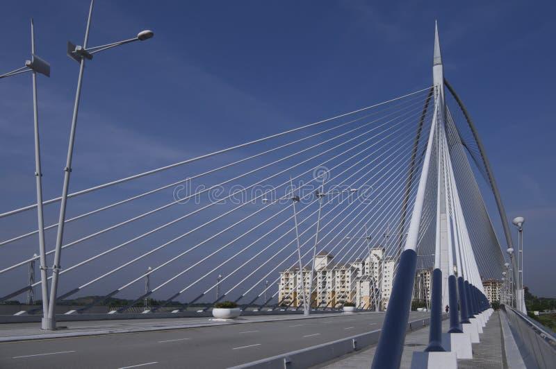 puente Cable-permanecido de Seri Wawasan fotografía de archivo