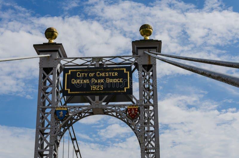 Puente colgante del parque del Queens en Chester imagenes de archivo