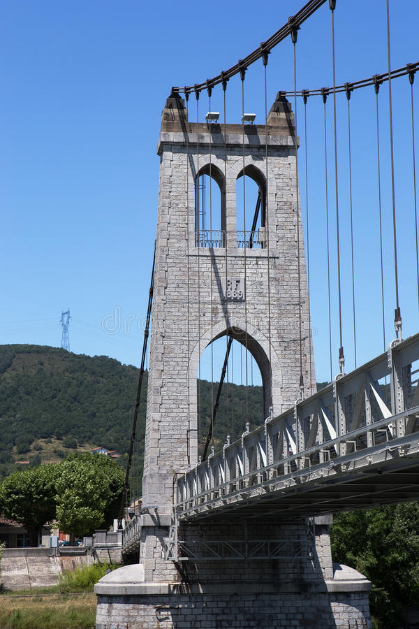 Puente colgante, La Voulte-sur-Rhone, Francia foto de archivo